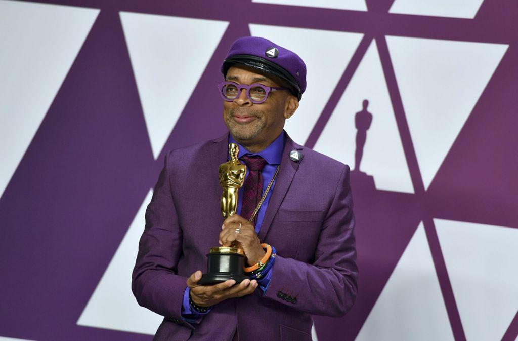 """Spike Lee wird im Mai die Juryleitung in Cannes übernehmen.  2019 erhielt der Regisseur einen Oscar für das beste adaptierte Drehbuch für """"BlacKkKlansman"""". Foto: dpa/Jordan Strauss"""