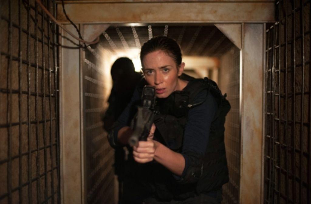 Die Polizistin Kate Macer (Emily Blunt) merkt gerade, wie sehr der Kampf gegen die mexikanischen Drogenkartelle einem Krieg ähnelt. Foto: Lionsgate