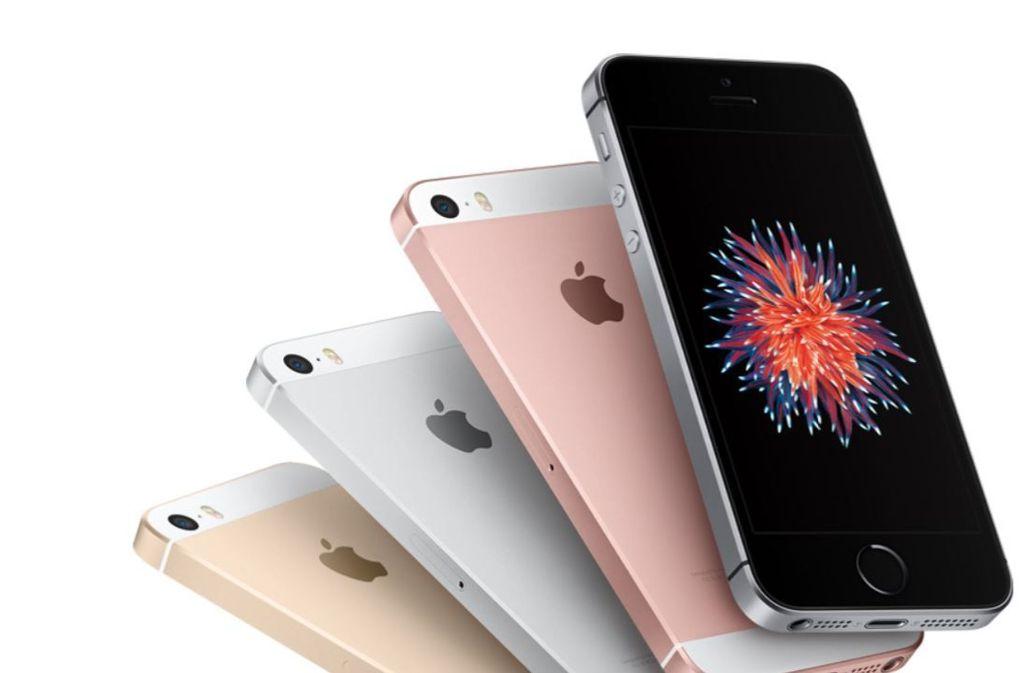 Das iPhone SE soll als kleinstes Modell in der Apple-Smartphone-Reihe wohl einen Nachfolger bekommen. Foto: Apple