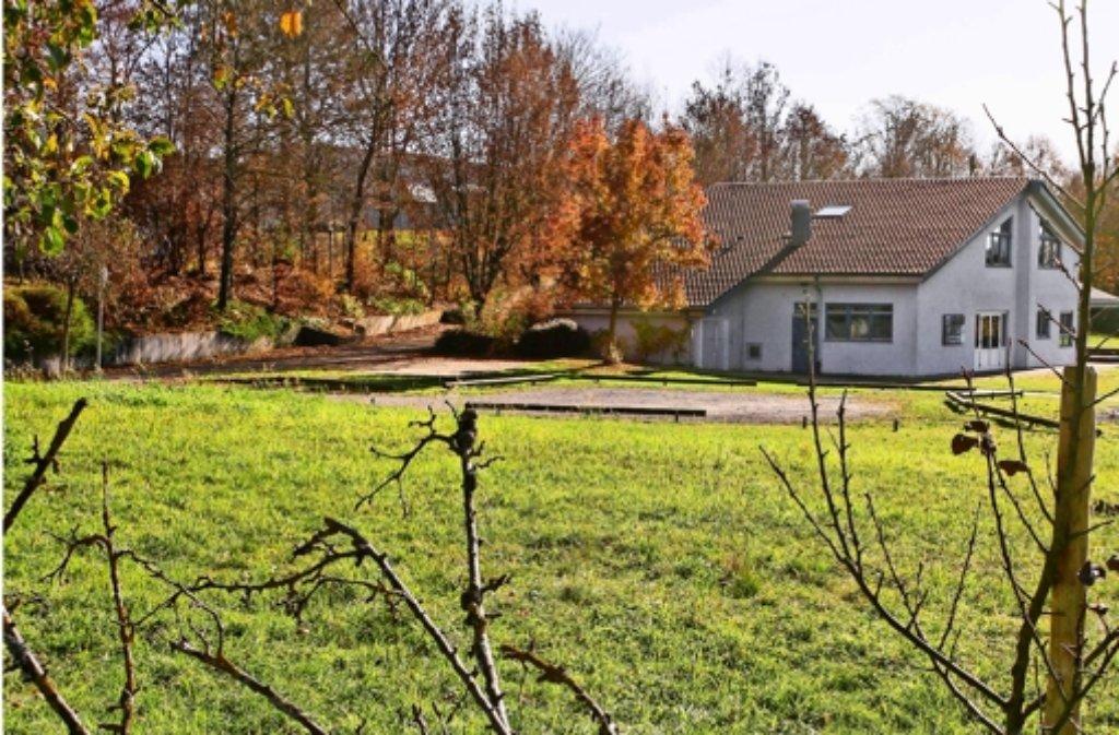 In der Nachbarschaft   des Jugendtreffs  ist das Kinderhaus geplant. Foto: factum/Bach