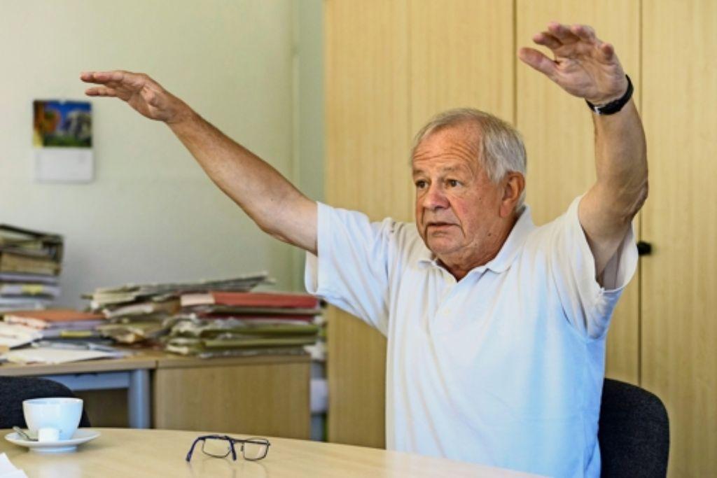 Berge von Akten hat Kurt Schrimm, der oberste Nazi-Jäger des Landes,  bearbeitet – und die Zentralstelle umgekrempelt. Foto: factum/Weise