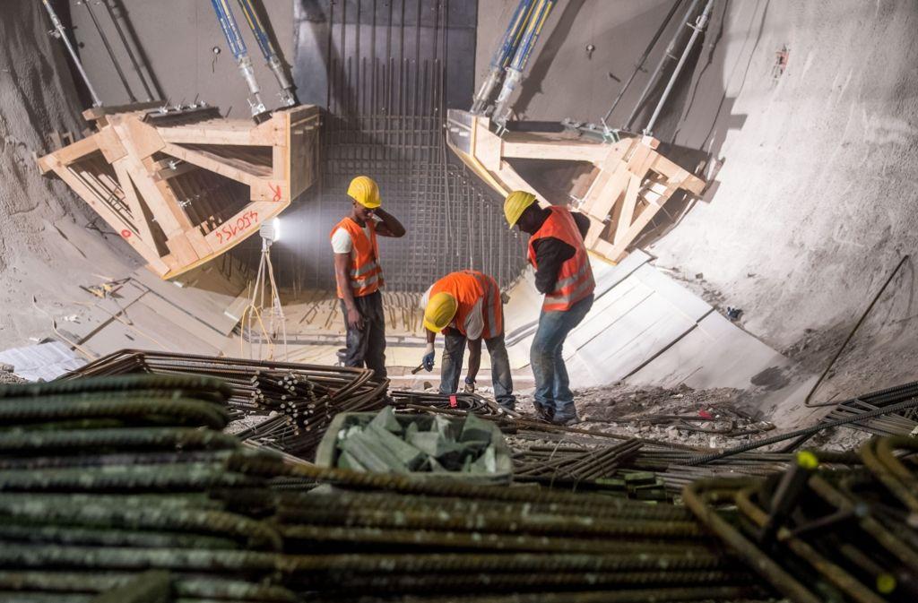 Auch in der Stadtmitte wird für die Tunnel zum Flughafen und nach Ober- und Untertürkheim gearbeitet. Foto: Martin Stollberg