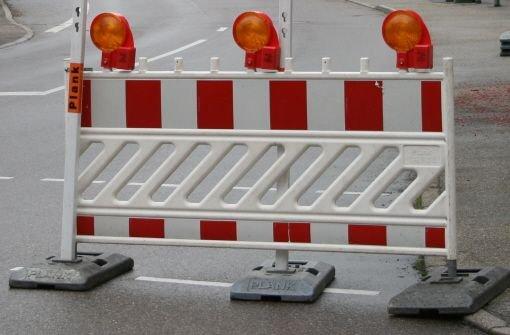Achtung Autofahrer: Wegen Abrissarbeiten an drei Brücken wird die A8 am Wochenende zwischen Merklingen (Alb-Donau-Kreis) und Ulm-West in beide Richtungen gesperrt. Foto: dpa