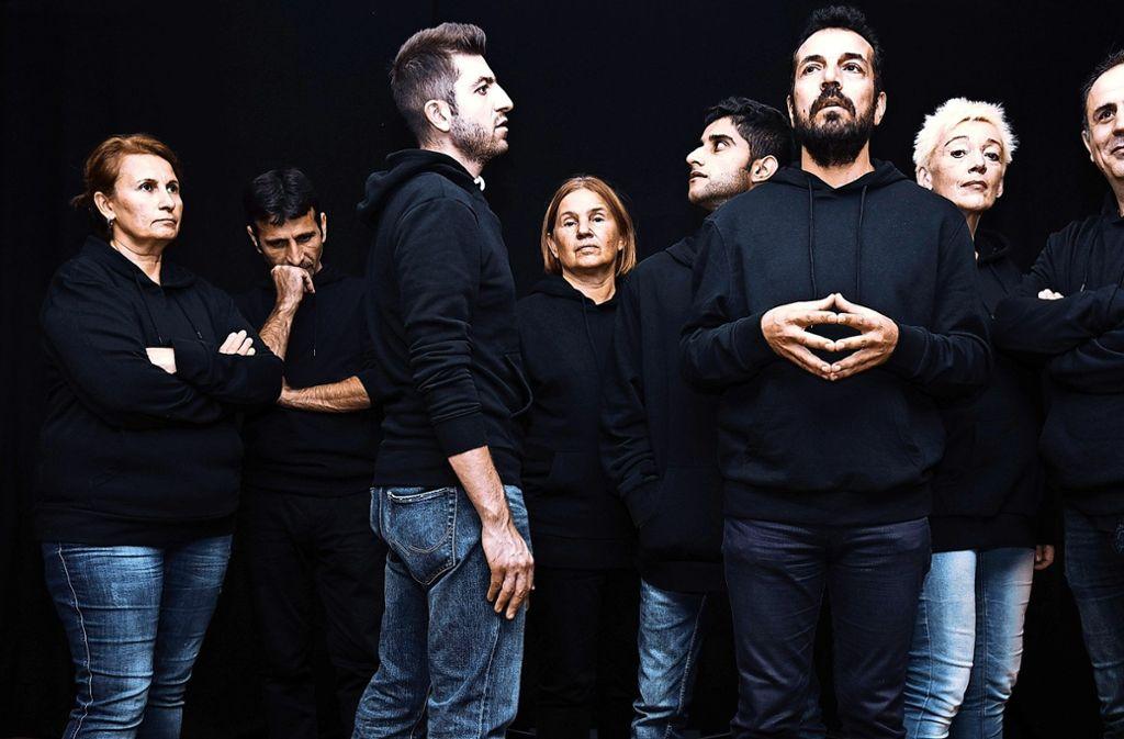 In dem theaterpädagogischen Projekt zeigen  Deutsche und Flüchtlinge  auf der Bühne ihre jeweiligen Schwierigkeiten im Alltag  mit der Integration. Foto: Camilo Amaya