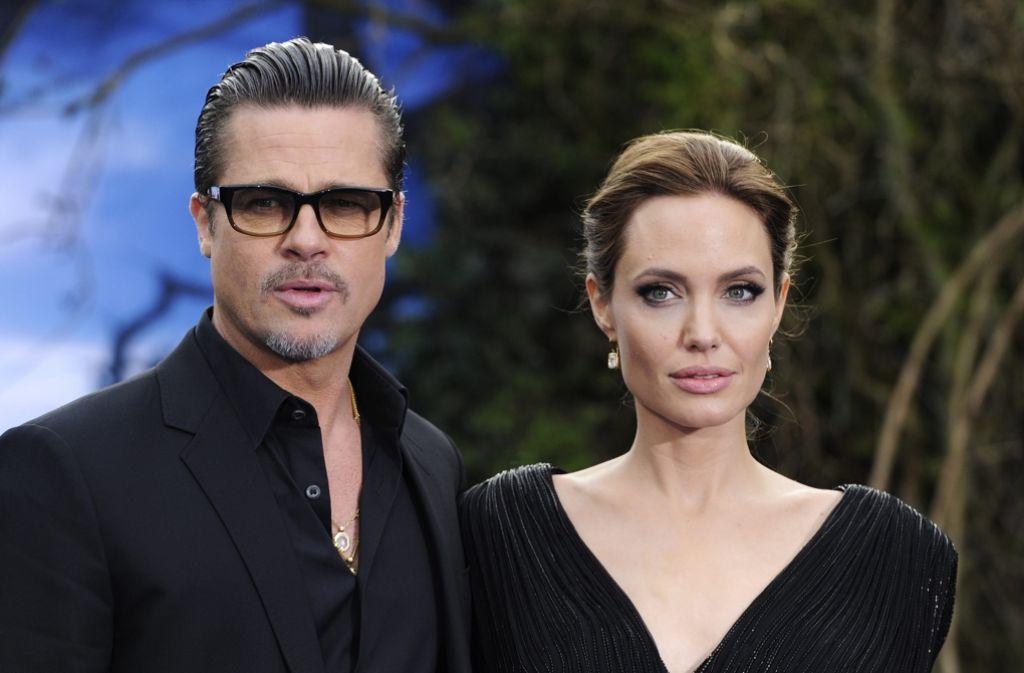 Lässig, glamourös und unheimlich attraktiv: das Hollywood-Traumpaar Angelina Jolie und Brad Pitt spielte uns das perfekte Eheglück mitsamt bunter Kinderschar vor. Hinter der Fassade sah es schon länger nicht mehr so idyllisch aus. Foto: dpa