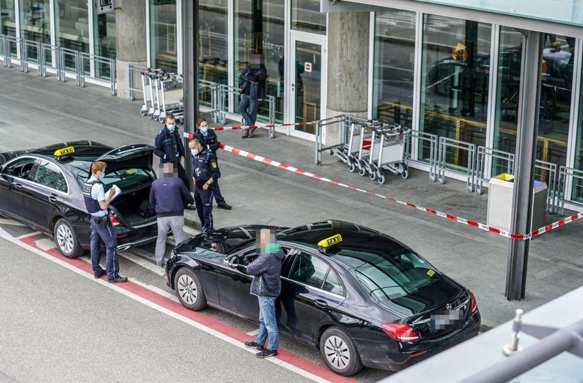 Der Tatort ist nach der Messerstecherei abgesperrt. Foto: SDMG/Kohls