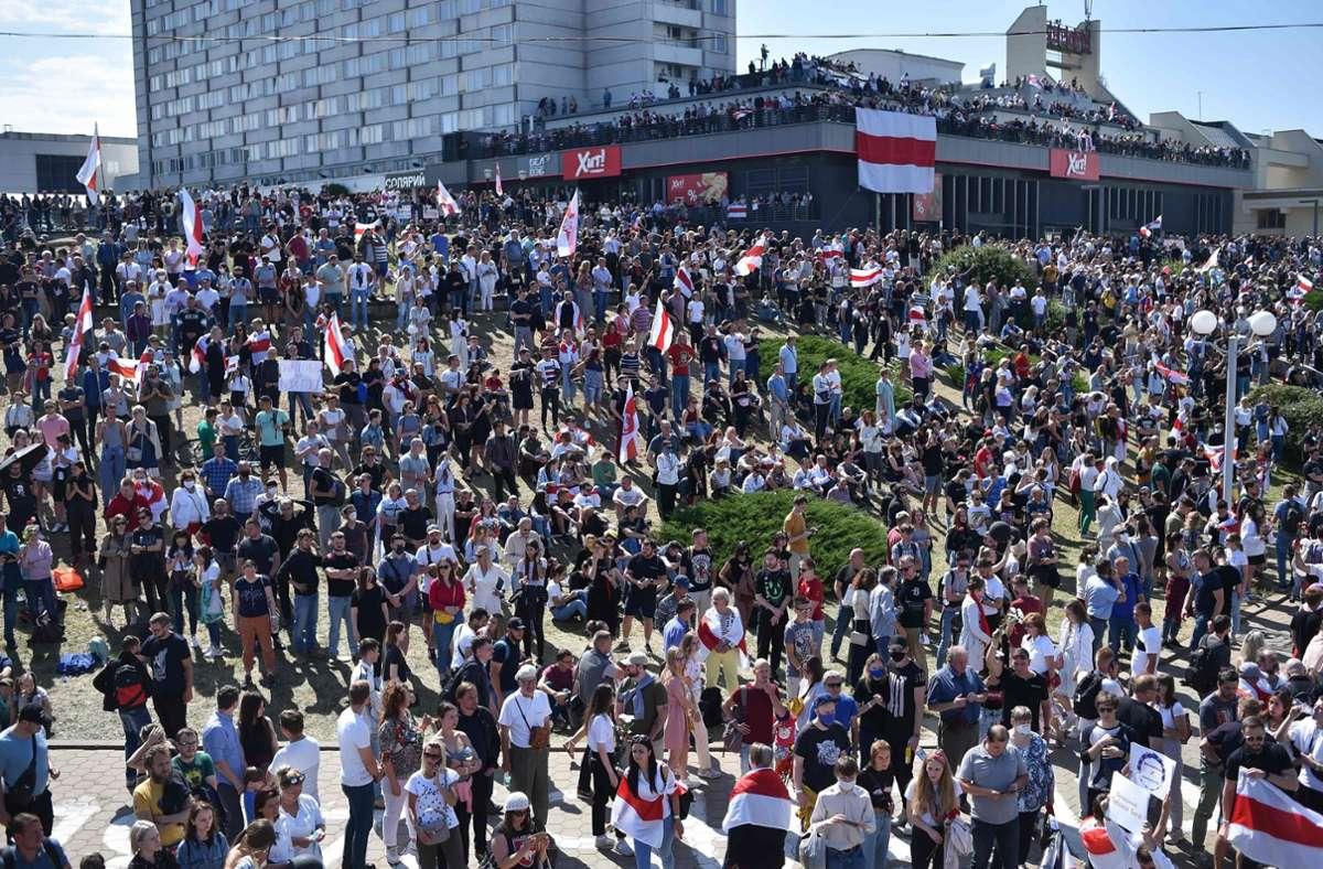 Mehr als 5000 Menschen versammelten sich in Minsk. Foto: AFP/Sergei Gapon