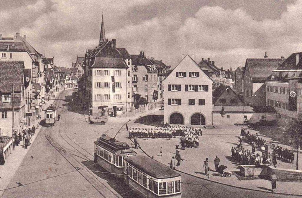 Der Gablenberger Schmalzmarkt diente zur NS-Zeit als Aufmarschplatz. Der Brunnen, den es heute noch gibt, war der Hitlerjugend gewidmet. Foto: Muse-O