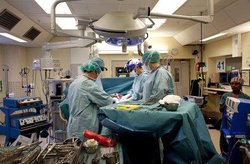 Tübinger Ärzte transplantieren Gebärmutter