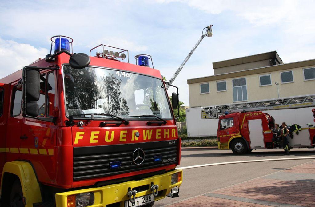 Die Feuerwehr Ludwigsburg wurde am Donnerstag zu einem Brand in einem Umspannwerk gerufen. Foto: SDMG