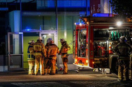 Brand bei Möbel Rieger ruft Feuerwehr auf den Plan