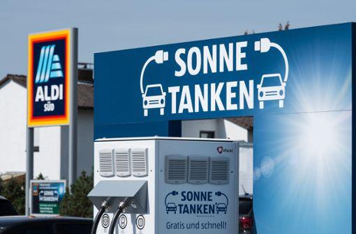 Tankstellen auf Discounter-Parkplätzen geplant