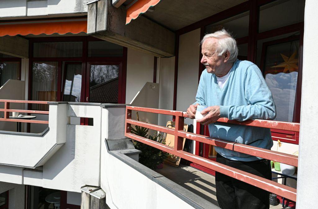 Siegfried Jehmlich fühlt sich auch in der Corona-Krise nicht einsam. Foto: dpa/Felix Kästle