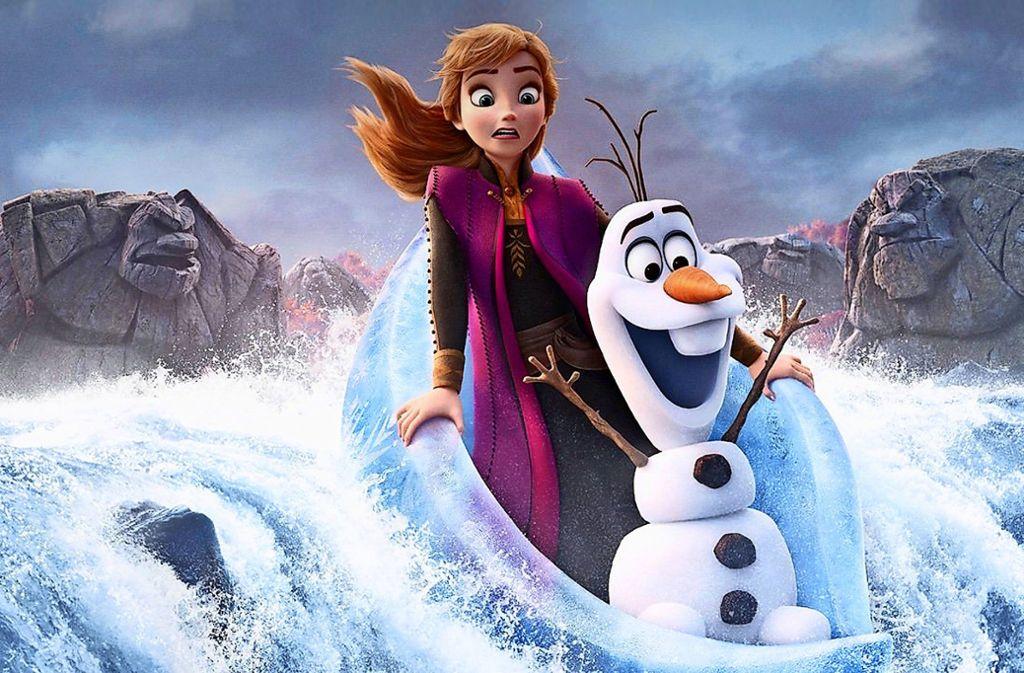 Ein Plakat zum Film zeigt Anna und Olaf  auf wilder Fahrt Foto: Disney