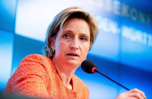 Newsblog: Wirtschaftsministerin findet neue Corona-Regeln teils zu hart