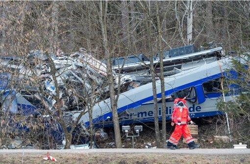 Im Februar stießen zwei Züge nahe  Bad Aibling (Bayern) zusammen. War eine Lücke in der Funkverbindung zu den Lokführern eine der Ursachen für das Unglück? Foto: dpa