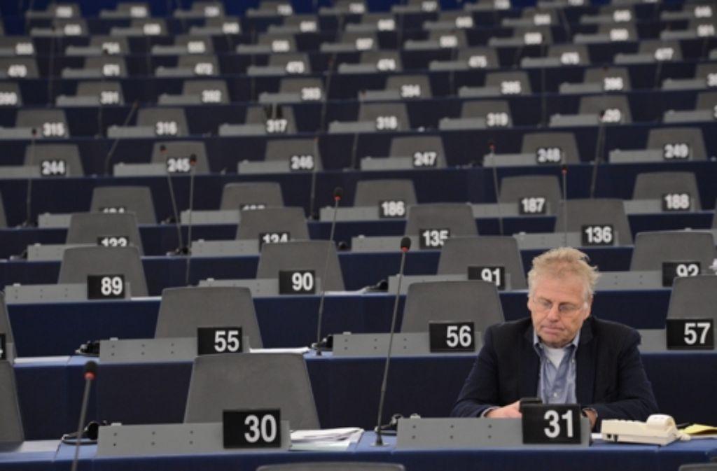 Der baden-württembergische Ministerpräsident Winfried Kretschmann (Grüne) hält den grünen Europapolitiker Daniel Cohn-Bendit (Bild) trotz Pädophilie-Vorwürfen für preiswürdig. Foto: EPA