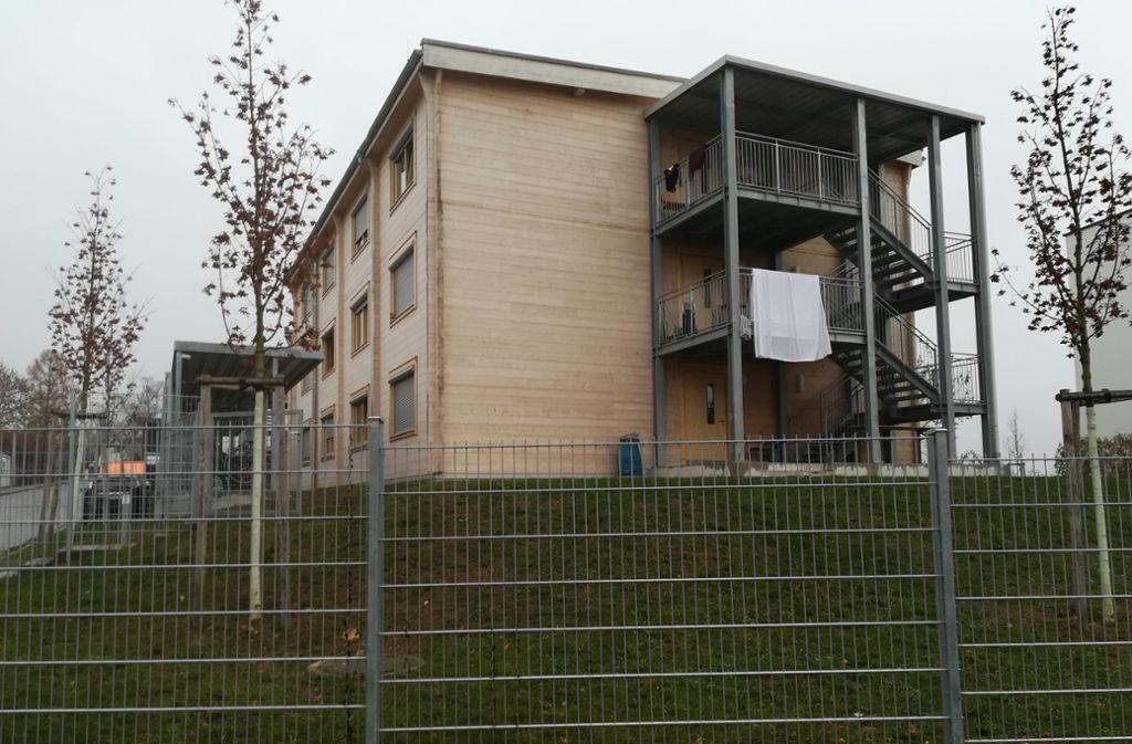 Wegen dieser Asylhäuser in Harthausen gibt es Zank. Foto: Sägesser