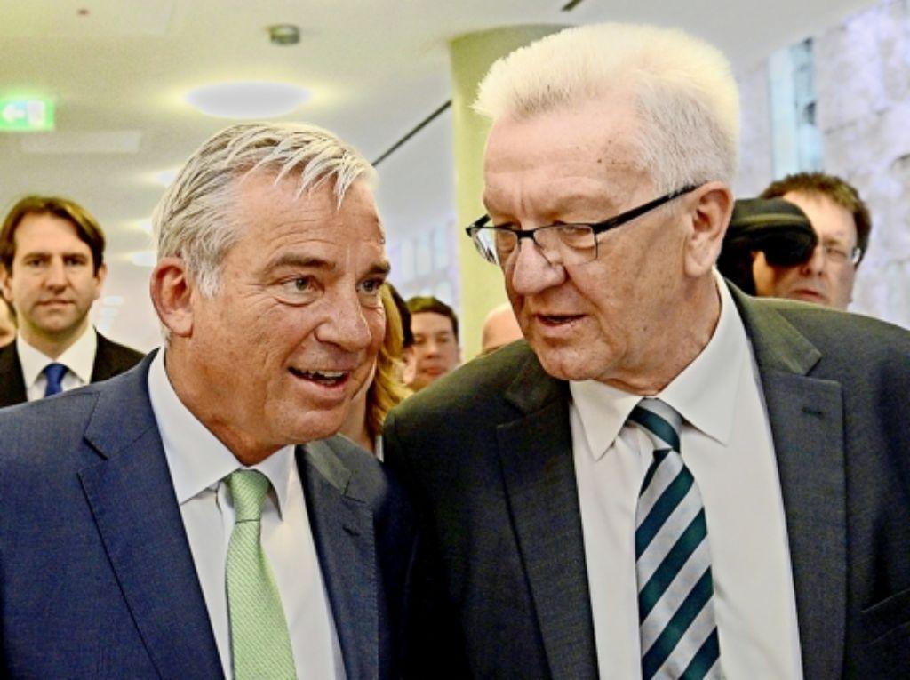 Körpersprachlich scheint Grün-Schwarz schon ganz gut zu funktionieren: CDU-Landeschef Thomas Strobl (links) und Ministerpräsident Winfried Kretschmann am Freitag Foto: dpa