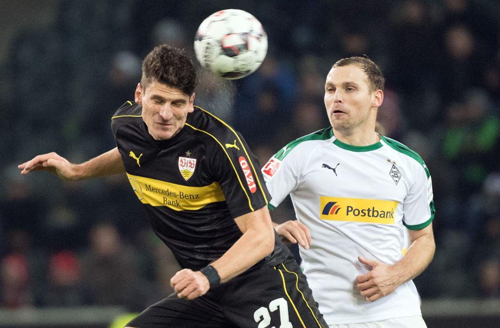 Mario Gomez und der VfB stecken in einer tiefen Krise. Foto: dpa
