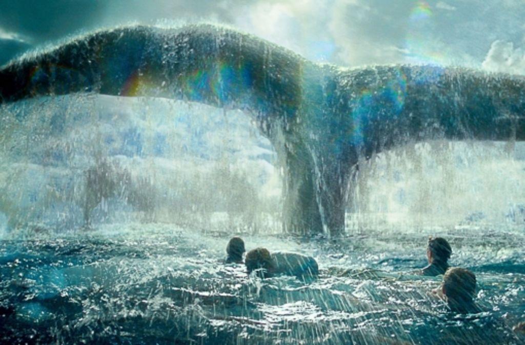 Nach dem Verlust von  Boot und Harpune sehen die Walfänger ziemlich klein aus. Foto: Warner Bros./Village Roadshow Pi