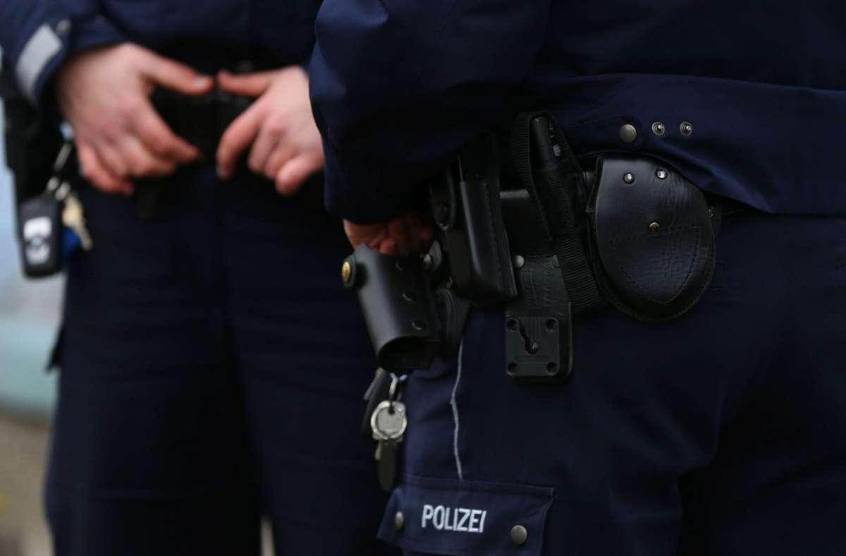 Die Polizei konnte die drei  jungen Männer kurz nach ihrer Randale-Aktion festnehmen. Foto: Eibner-Pressefoto/Deutzmann / Eibner-Pressefoto