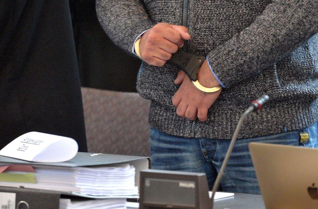 Der angeklagten 25-Jährigen wurde am Mittwoch zur einer Haftstrafe von 13 Jahren verurteilt. Foto: dpa
