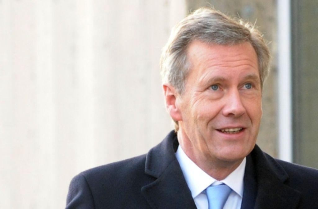 Der frühere Bundespräsident Christian Wulff auf dem Weg ins Amtsgericht Foto: dpa
