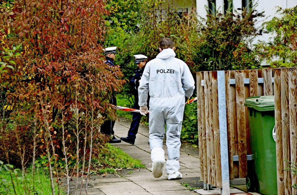 Mit mehr als 80 Messerstichen Sohn und Ehefrau getötet: Jetzt ist der Angeklagte vom Landgericht Stuttgart verurteilt worden. Foto: SDMG