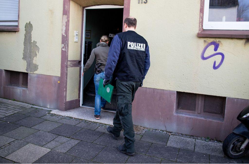 In einer Wohnung in Recklinghausen fand die Polizei einen 15-jährigen Jungen. Foto: dpa/Marcel Kusch
