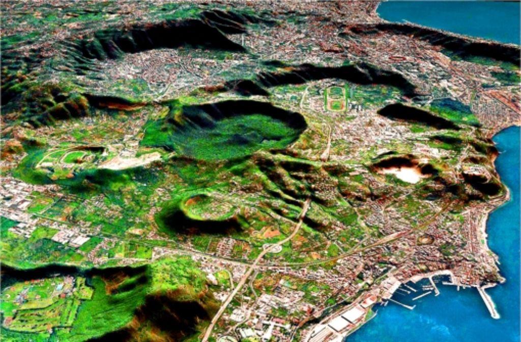 Unter diesen vielen Kraterchen verbergen sich die Campi. Foto: Istinuto di Vulcanologia