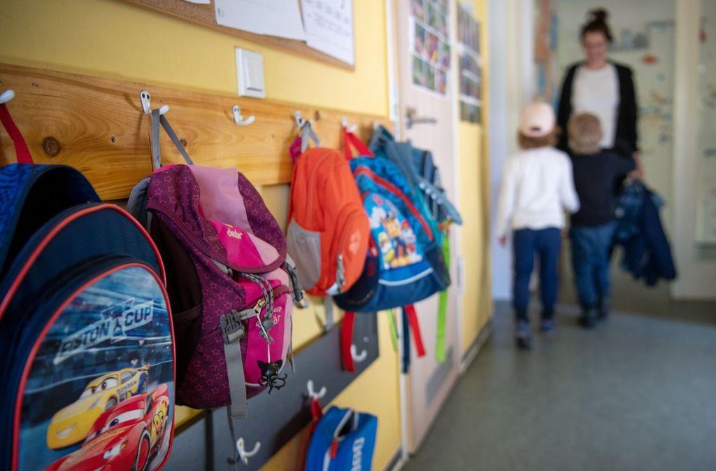 In Kitas sind maximal 50 Prozent der Kinder erlaubt, die normalweise in die jeweilige Kita gehen (Archivbild). Foto: dpa/Monika Skolimowska