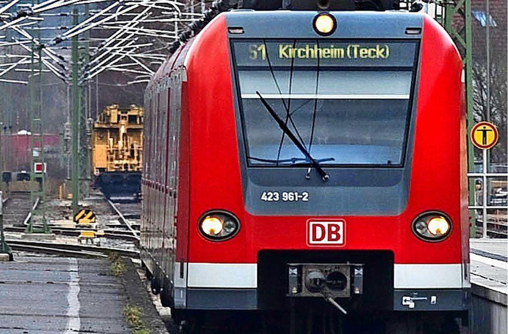 In der S1 nach Kirchheim soll es zu der Tat gekommen sein. (Symbolbild) Foto: Horst Rudel/Archiv
