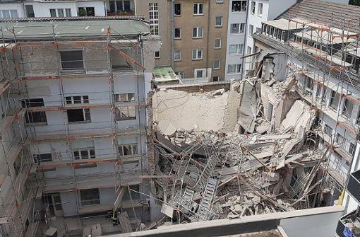 Teile eines Gebäudes eingestürzt –  ein Mensch vermisst