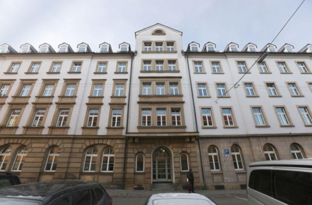 Der linke Teil des Gebäudes soll Museum werden – aber ohne zweites und drittes Stockwerk. Foto: Zweygarth
