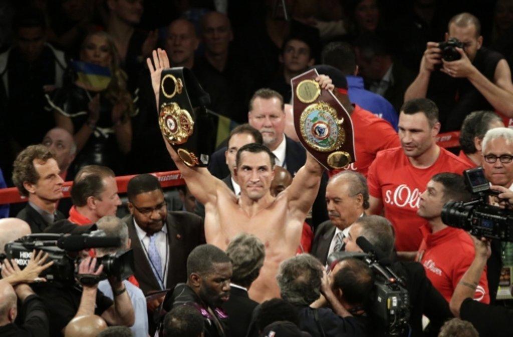 Wladimir Klitschko bleibt nach seinem Punktsieg gegen Bryant Jennings im Madison Square Garden in New York Boxweltmeister. Foto: dpa