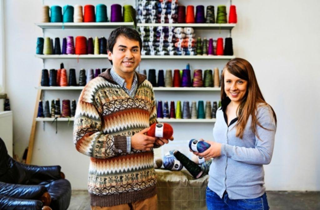 Das Unternehmerpaar Carlos Lopez und Gabriele Brundzaite stellt in seiner Spinnerei in der alten Tuchfabrik in  Ebersbach Handstrickgarne und   High-Tech-Garne her. Foto: Horst Rudel