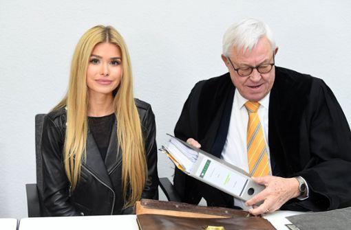 Influencerin Pamela Reif wegen Schleichwerbung vor Gericht