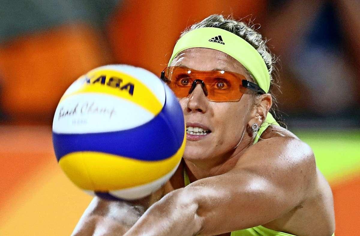 Karla Borger hat Vorschläge zur Kleiderwahl im Beachvolleyball. Foto: AP/Petr David Josek