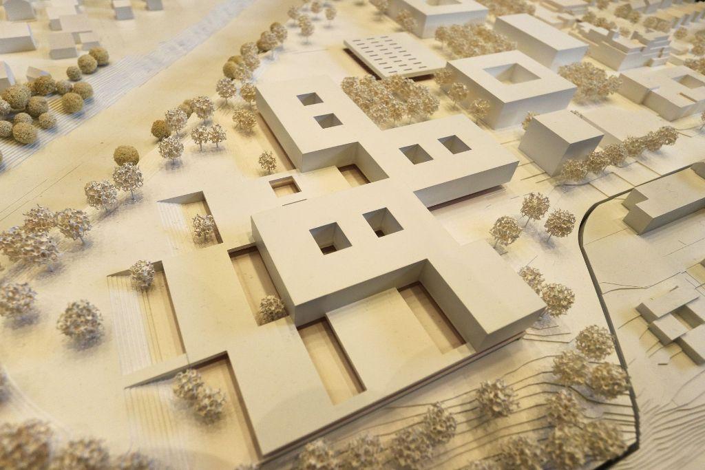 So soll die neue Oscar-Paret-Schule aussehen: vier Flügel auf einem Erdgeschoss, das sich kachelartig verteilt. Foto: factum/Granville