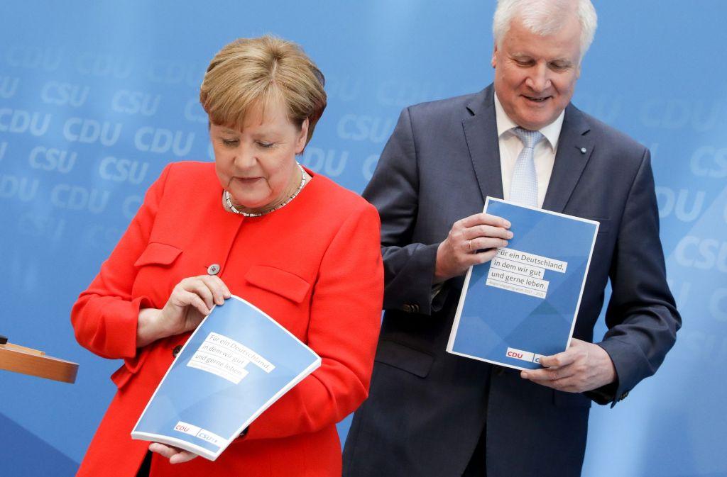 Angela Merkel hat mit dem CSU-Vorsitzenden Horst Seehofer  ihr Wahlprogramm vorgestellt. Foto: dpa