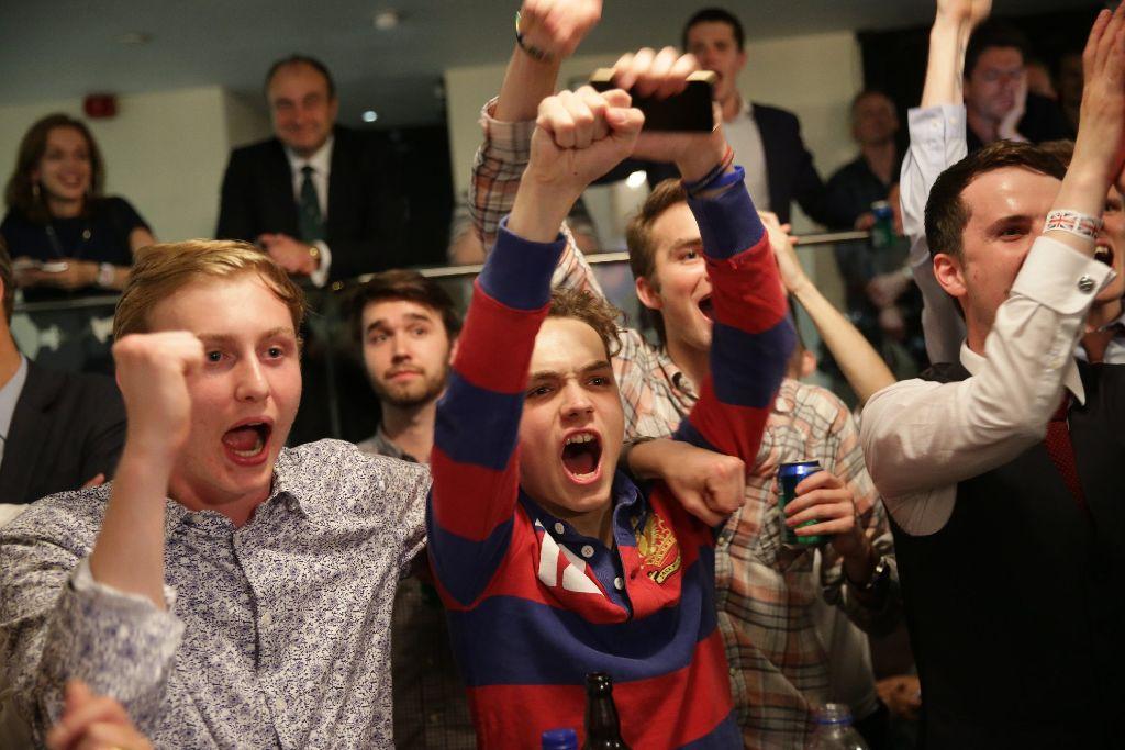 Sieg auf der ganzen Linie: Brexit-Befürworter am Morgen der Entscheidung. Foto: dpa
