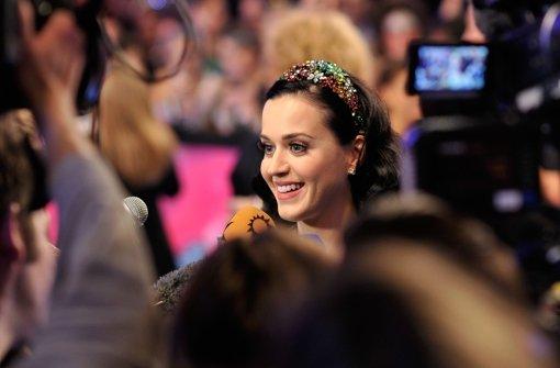 Katy, Miley, ein Joint im Handtäschchen