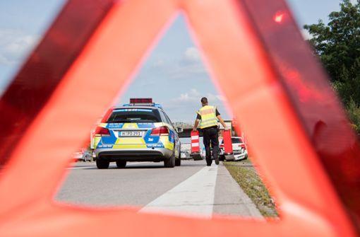 Unfall mit drei Autos auf der A81