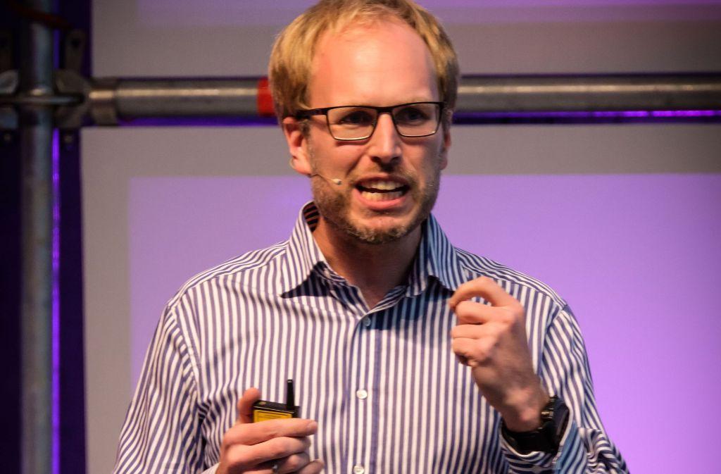 Der Internet-Experte Johannes Schaback prophezeit, dass künftig Maschinen Bestseller schreiben. Foto: Lichtgut/Achim Zweygarth