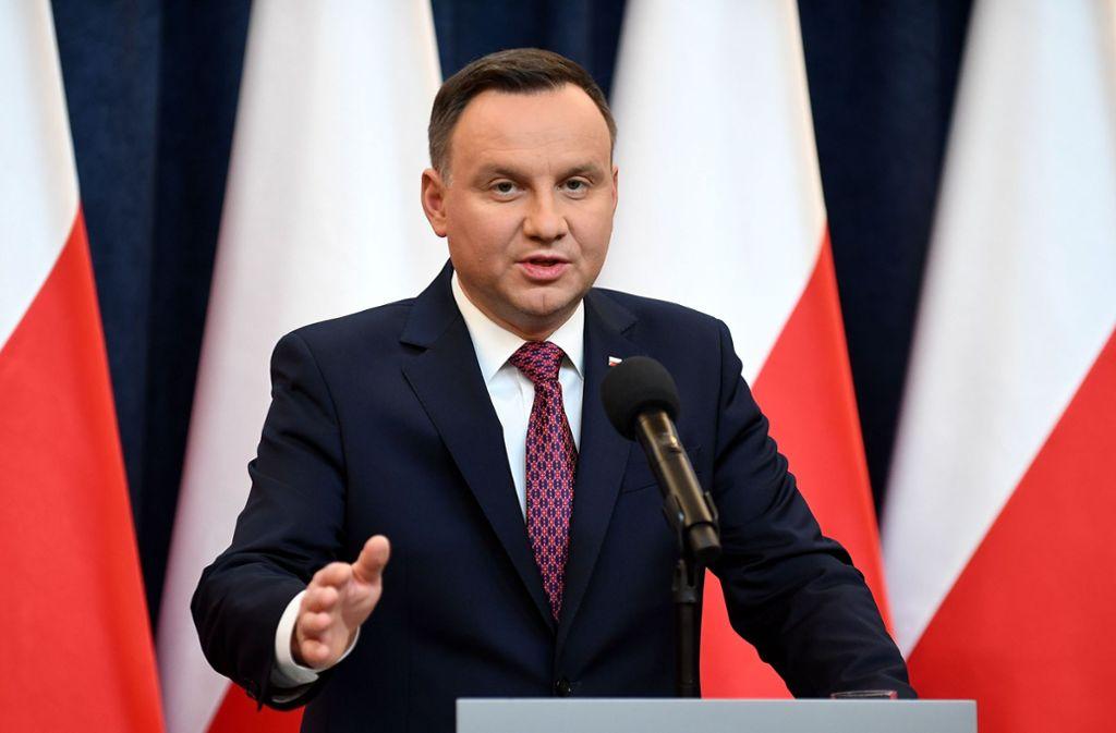 Polens Präsident Andrzej Duda hat am Dienstag zahlreiche Mitglieder der Regierung entlassen und Nachfolger nominiert. Foto: AFP