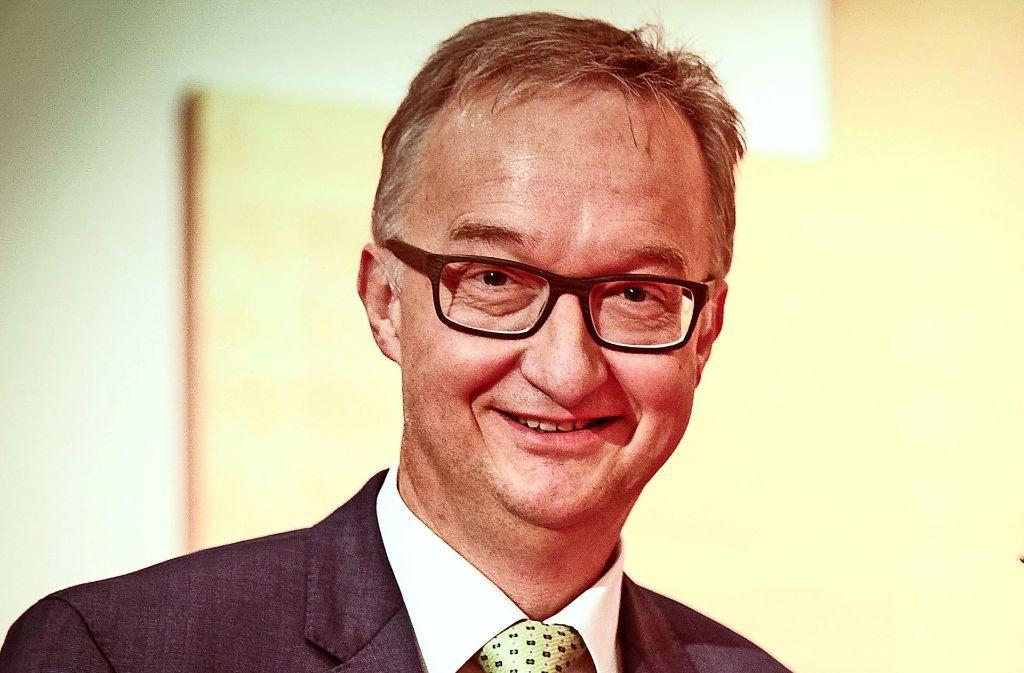 Stadtdekan Søren Schwesig ist dafür, den Pfarrern freizustellen, ob sie den Segen spenden. Foto: Lichtgut/ Piechowski