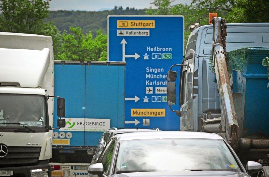 Auf den Verkehr hat die Stadt kaum Einfluss –  Abgase gehören aber zu den größten Umweltverschmutzern. Foto: factum/Granville