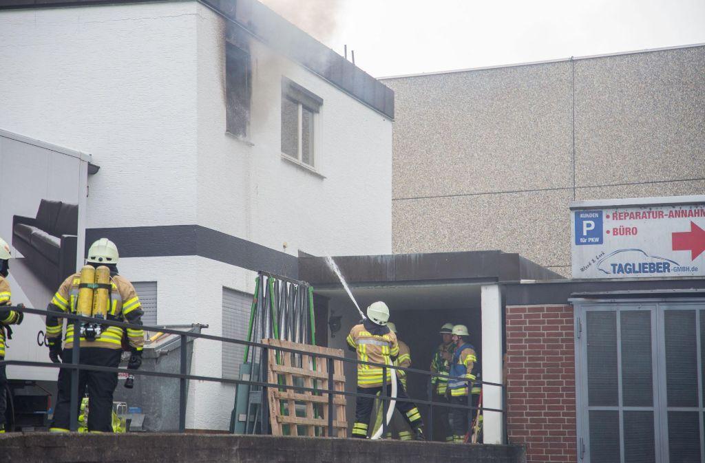 Die Feuerwehr ist zu einem Brand in Fellbach-Oeffingen ausgerückt. Foto: 7aktuell.de/Sven Adomat