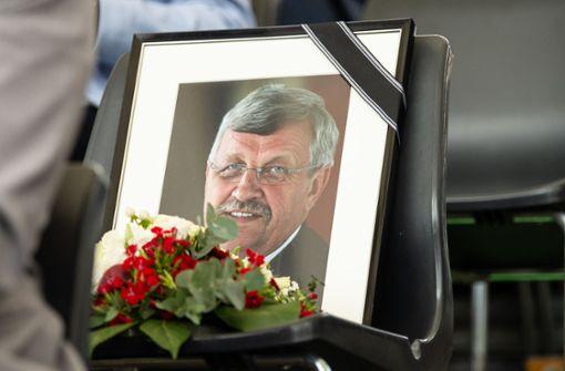 Stilles Gedenken an erschossenen Regierungspräsidenten
